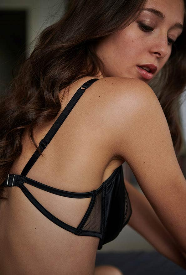 Dangerous | Implicite lingerie